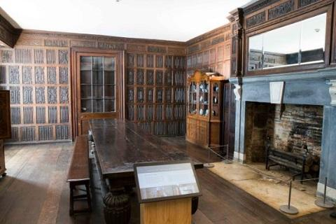image link to Historic rooms  page.